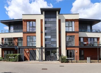 2 bed flat for sale in Sycamore Avenue, Woking, Surrey GU22