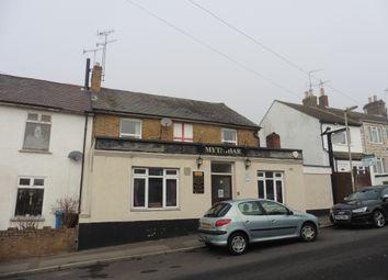 Thumbnail Pub/bar for sale in Waterloo Road, Aldershot