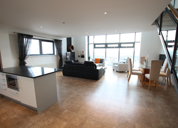 Thumbnail 3 bed flat to rent in Castlebank Drive, Glasgow
