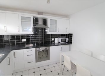 4 bed flat to rent in Drummond Road, Bermondsey, London SE16