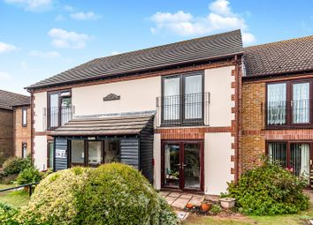 Thumbnail 2 bedroom flat to rent in Aigburth Avenue, Bognor Regis