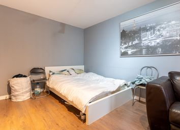 Room to rent in Windmill House, London E14