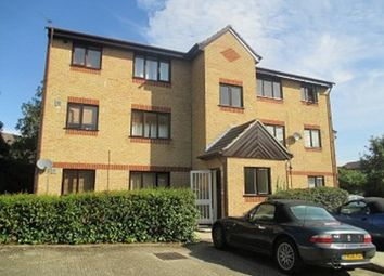 Thumbnail Studio to rent in Fielders Close, Enfield