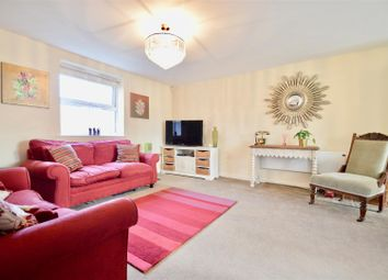 Thumbnail 2 bedroom flat for sale in Fenners Marsh, Gravesend