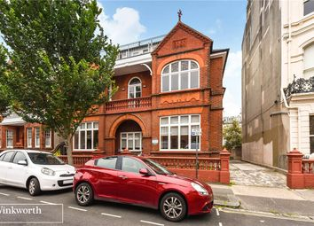 Thumbnail 1 bed flat to rent in Palmeira Avenue, Hove, East Sussex