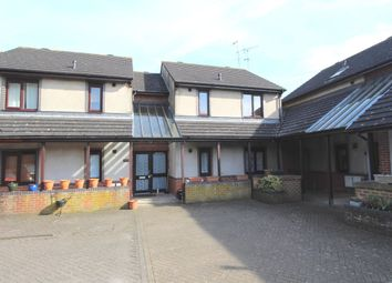 Thumbnail 1 bed flat to rent in Barrow Hill, Ashford