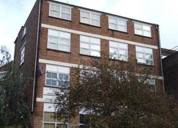 Thumbnail 3 bed flat to rent in Guildford Street, Luton