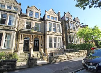 2 bed flat for sale in Harlow Moor Drive, Harrogate HG2