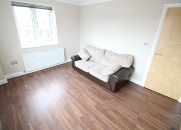 Thumbnail 2 bed flat to rent in Park Street, Luton