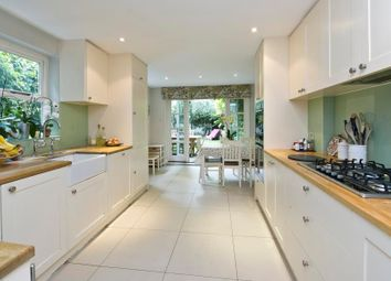Thumbnail 5 bed property to rent in Augustine Road, London