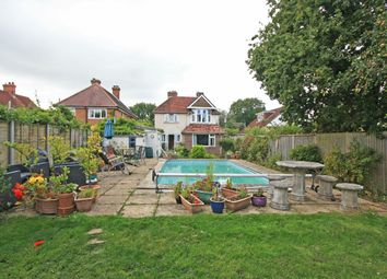 3 bed detached house for sale in South Street, Pennington, Lymington SO41