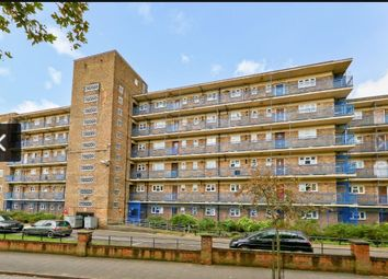3 bed shared accommodation to rent in Woolridge Way, Loddiges Road, London E9