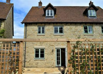 Thumbnail 5 bed town house to rent in Packhorse Lane, Marcham, Abingdon