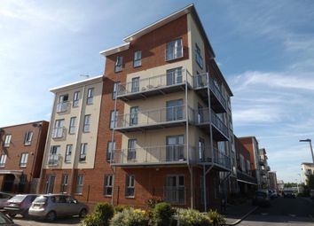 Thumbnail 2 bedroom flat for sale in Bosworth House, Battle Square, Reading