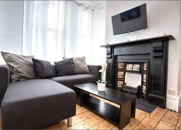 Thumbnail 5 bedroom town house to rent in Brixton Road, Oval, London, Greater London