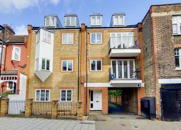 Thumbnail Flat for sale in Blenheim Gardens, London