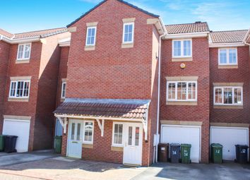 4 bed terraced house for sale in Kensington Way, Leeds LS10