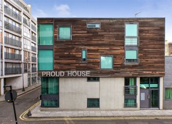 Thumbnail 1 bed flat to rent in Amazon Street, London
