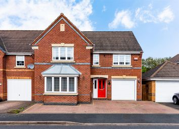 Thumbnail 4 bed detached house for sale in Curlew Drive, Brownhills, Walsall