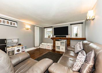 2 bed maisonette for sale in Kingsway, Blackwater, Camberley GU17