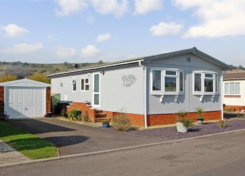 Thumbnail 2 bed mobile/park home for sale in Meadow Way, Hythe, Kent