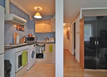 Thumbnail 1 bed flat to rent in Dearne Walk, Bedford