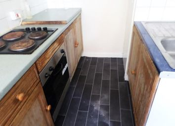 Thumbnail 4 bed flat to rent in Chomley Street, Hull