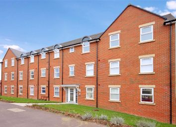 2 bed flat to rent in Cloatley Crescent, Royal Wootton Bassett, Swindon, Wiltshire SN4