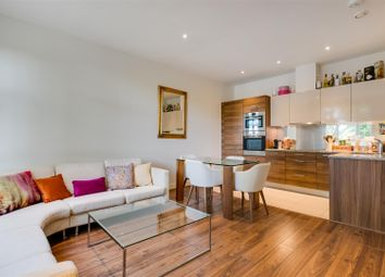 Bromyard Avenue, London W3. 2 bed flat