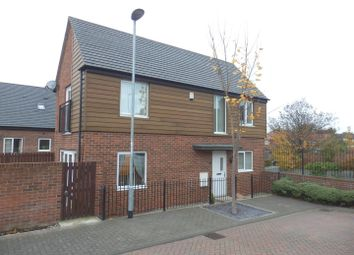 Thumbnail 2 bedroom detached house for sale in Pearsons Court, Seacroft, Leeds