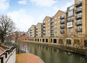 Thumbnail 3 bed flat to rent in Riverside House, Reading