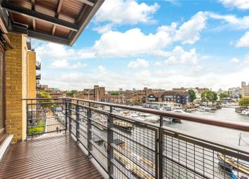 Teal Court, Star Place, London E1W. 1 bed flat