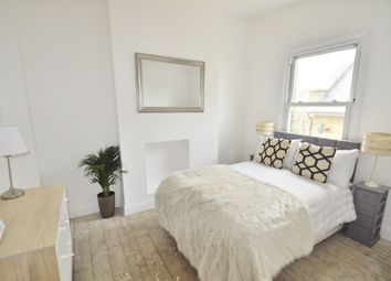 Thumbnail 1 bed flat to rent in Acton Lane, Chiswick