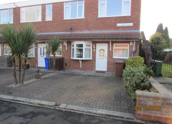 2 bed flat to rent in Cemetery Road, Denton M34