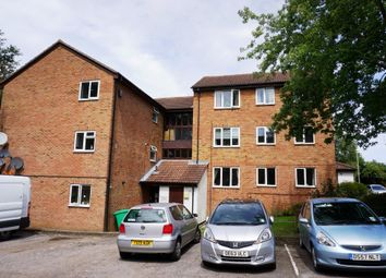 Chessington Hall Gardens, Chessington KT9. 2 bed flat