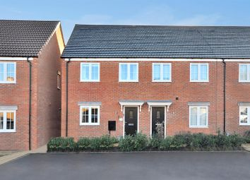 3 bed town house for sale in Holly Court, Newark NG24