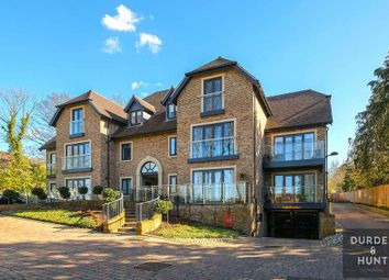 Key West Court, High Road, Chigwell IG7. 2 bed flat for sale