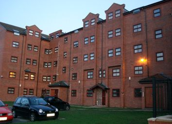 Thumbnail 4 bed flat to rent in Belle Vue Road, Leeds