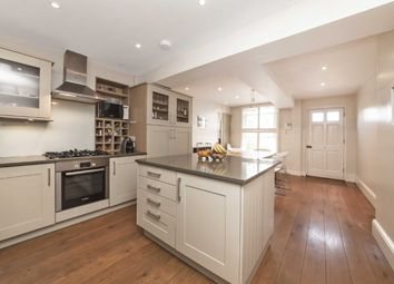 Thumbnail 4 bed flat to rent in Chiswick High Road, London