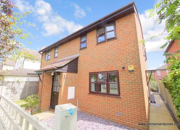 Thumbnail 1 bed maisonette to rent in Stepgates, Chertsey