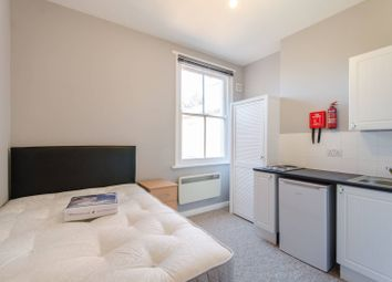 Thumbnail Studio to rent in Cedar Road, Cricklewood, London