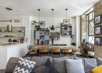 Thumbnail 2 bedroom flat to rent in Gee Street, Clerkenwell