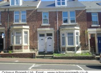 2 bed flat to rent in Rectory Road, Gateshead NE8