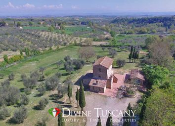 Thumbnail 2 bedroom country house for sale in Via di Martiena, Montepulciano, Siena, Tuscany, Italy