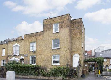 Thumbnail 2 bedroom flat for sale in Gateway Mews, Shacklewell Lane, London