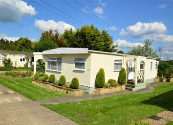Thumbnail 2 bed mobile/park home for sale in Marshmoor Crescent, Welham Green, Hatfield, Hertfordshire