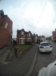Thumbnail Room to rent in Queens Road, High Wycombe