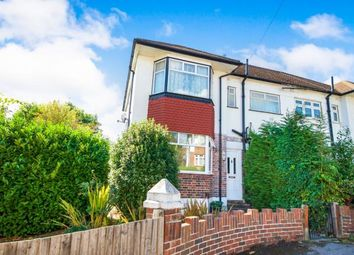 2 bed maisonette for sale in Speyside, Southgate, London N14