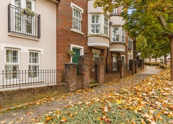 Thumbnail 4 bed town house to rent in Ingress Park Avenue, Greenhithe, Kent