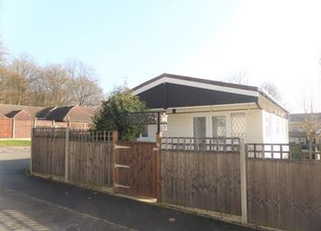Thumbnail 2 bed mobile/park home for sale in Duffins Orchard, Ottershaw, Chertsey